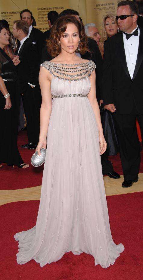 How to dress a Pear shape body #pear shape #Jennifer Lopez https://www.style-yourself-confident.com/pear-shaped-body.html