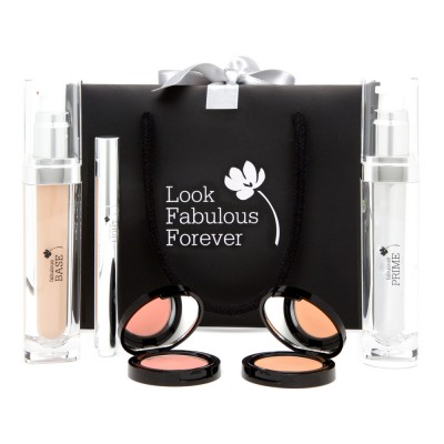 Warm makeup for a Warm complexion #warmmakeup #coloranalysis #lookfabulousforever  http://www.style-yourself-confident.com/warm-makeup.html
