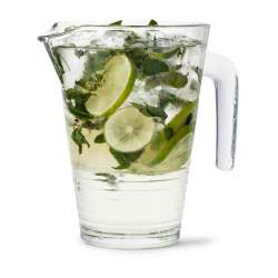 How to look 10 years younger - 5 darn good reasons to drink more water #drink more water  http://www.style-yourself-confident.com/reasons-to-drink-more-water.html