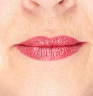 Cool toned skin and lipstick #skin tone #warm or cool http://www.style-yourself-confident.com/warm-or-cool-skin.html