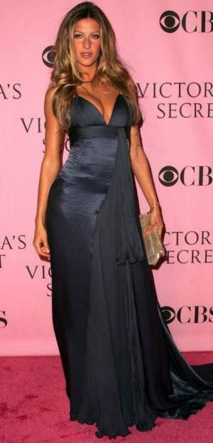 Style advice for tall lady #tall lady #Gisele Bundchen http://www.style-yourself-confident.com/tall-lady.html